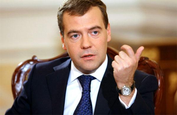 Дмитрий Медведев допустил уголовное наказание за увольнение пожилых