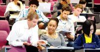 Студенты за границей получат пенсии по потере кормильца