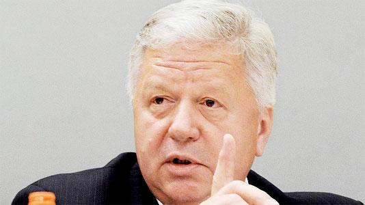 Председатель Федерации независимых профсоюзов России (ФНПР) Михаил Шмаков