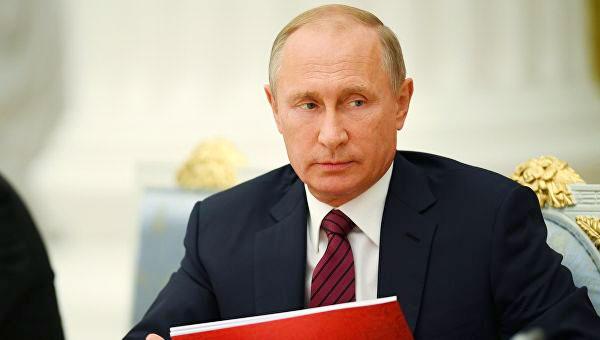 Владимир Путин утвердил новый закон о доплатах пенсионерам